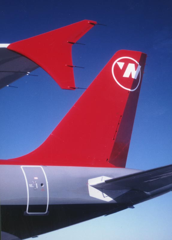 Northwest A-320 winglet & tail