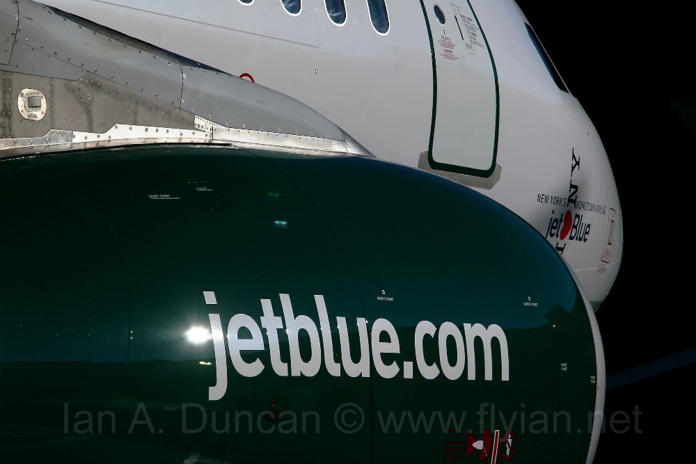 Jetblue A320 in Jets colors