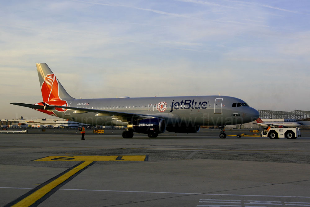 JetBlue Red Sox Airbus A-320 at JFK
